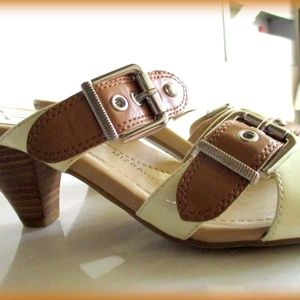 Isaac Mizrahi Live 8m Sandal Leather Ivory brown